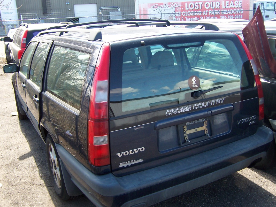 1998 volvo xc70 blue independent volvo specialists. Black Bedroom Furniture Sets. Home Design Ideas